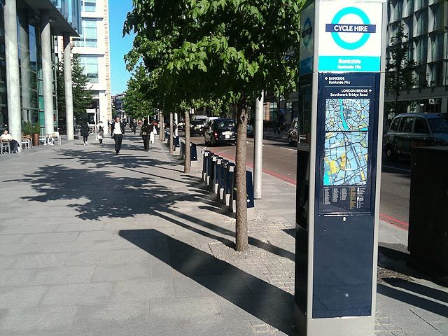 Note the familiar TfL roundel on the docking station