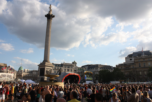 Trafalgar Square in the late afternoon - Image zefrog