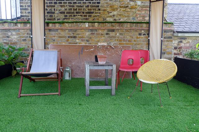 18173_roofgarden_seats.jpg