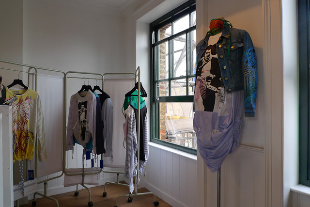 18174_123_clothes1.jpg