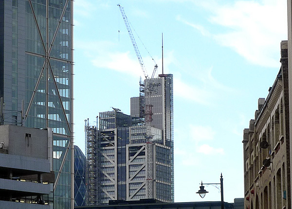 Spire Placed On Top Of Heron Tower