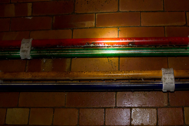 Fibre optic cables carry information about sewer levels.