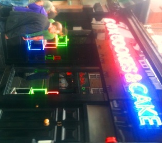 Neon: Cox, Cookies & Cake