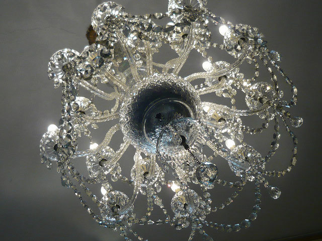 Chandalier at Carpenters' Hall. Photo / takoyaki1981