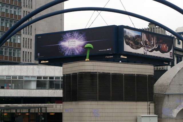 Old Street roundabout (image by DeanN).