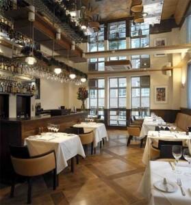 The White Swan dining room, Fetter Lane