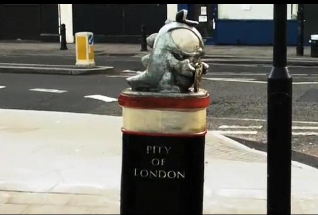 A Credit Crunch Monster on Bishopsgate.
