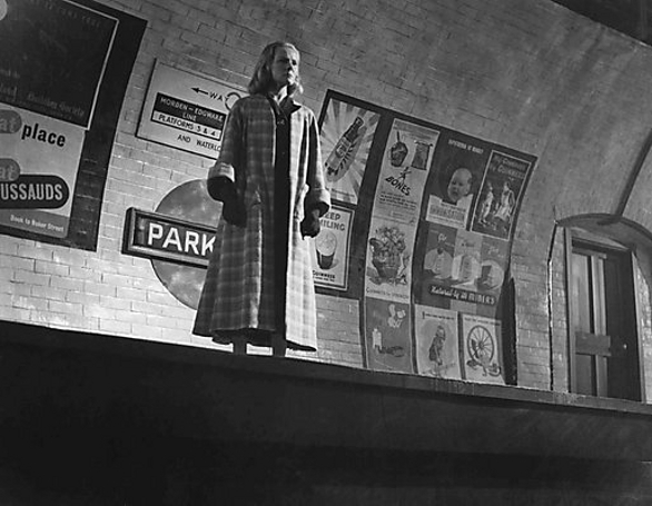 Park Street, (presumably) a spur on the Piccadilly line after Hyde Park Corner. From The Passionate Friends, a 1949 film directed by David Lean. Filming took place at Bank.