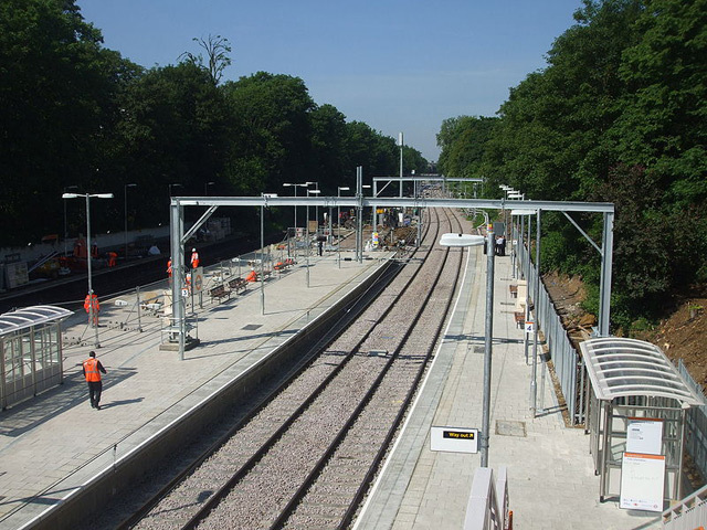 Canonbury station, June 2010. The two East London line platforms are to the left. Photo / Sunil060902.