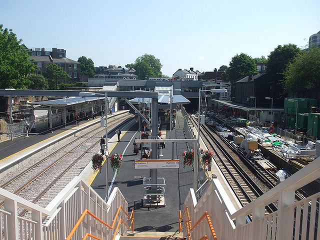Highbury & Islington, June 2010. The ELL terminates here, at the platforms to the right. Photo / Sunil060902.