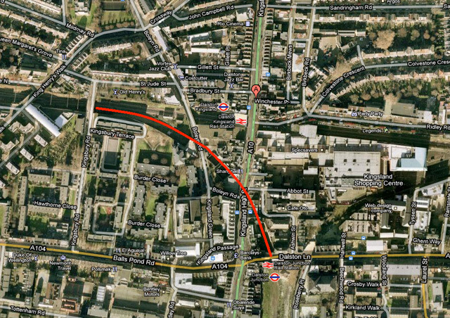 Map showing the location of the Dalston Western Curve.