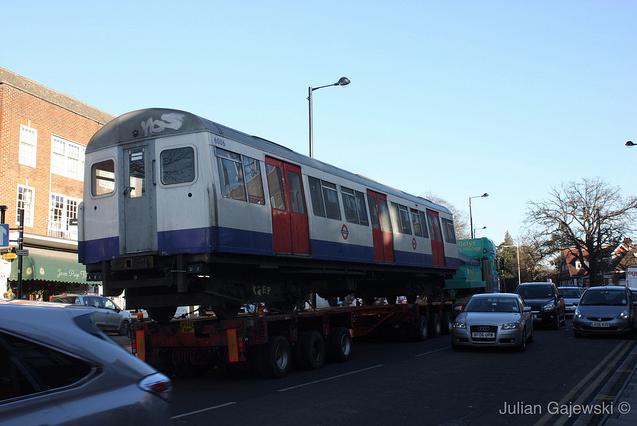 Metropolitan Line Train Taken Away For Scrapping