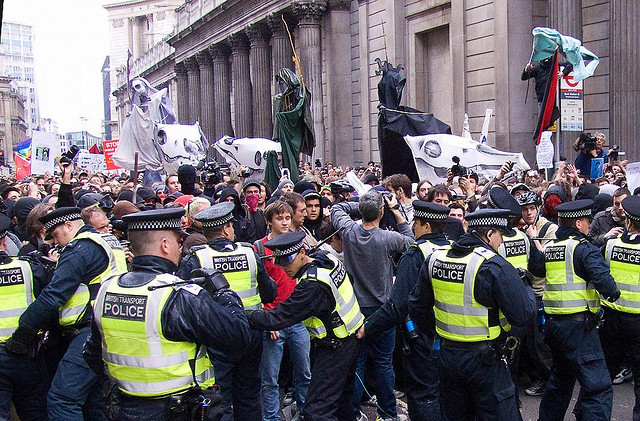 G20 protest, Threadneedle Street, City of London (1 April, 2009)