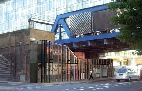 There are plans to turn the old entrance to Blackfriars Road station into this cafe.
