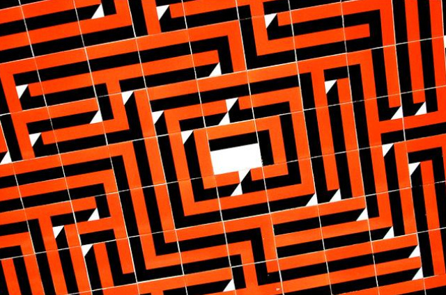 The Warren Street maze tiles.