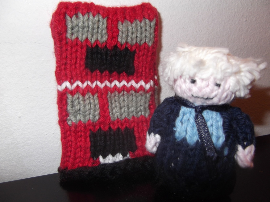 Boris poses next to the new Routemaster (knitted, of course)