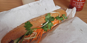 New Restaurant Review: Momo'wich