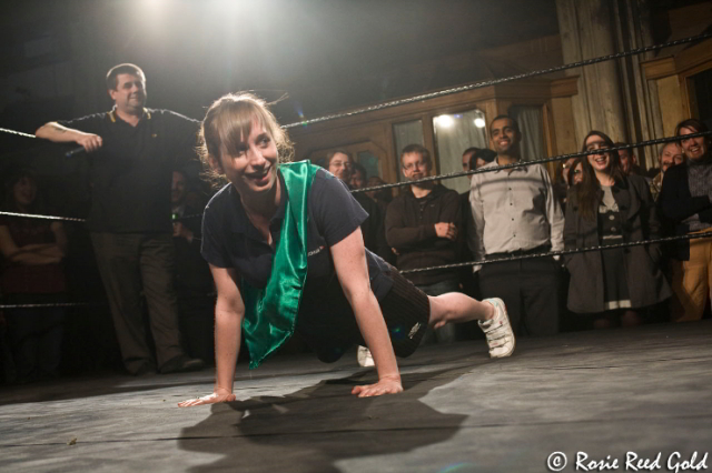 Isy Suttie demonstrates her press-up prowess / photo by Rosie Reed Gold