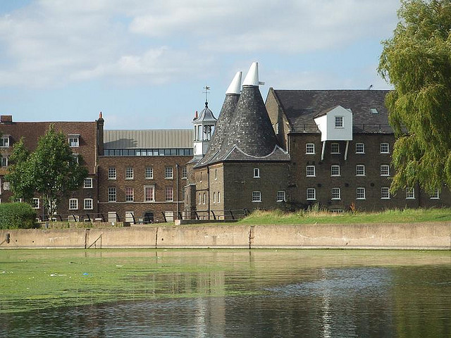Walk London: A Stroll Along The Lea Valley Walk