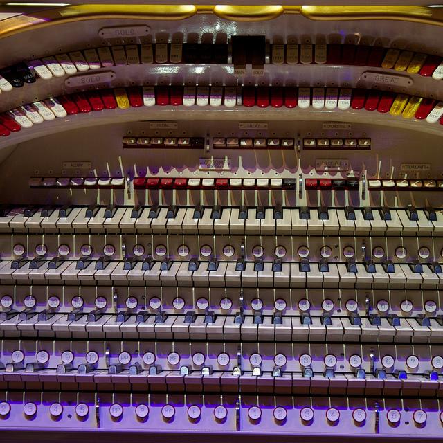 Wurlitzer Theatre Organ Console - Detail
