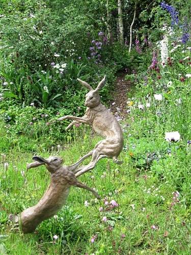 Boxing hares in the SKYshades Garden