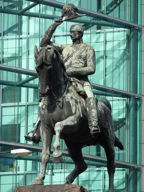 Prince Albert at Holborn Circus - I like the contrast with the modern glass in the background.