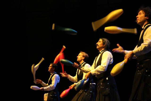 Juggler Review: The Flying Karamazov Brothers
