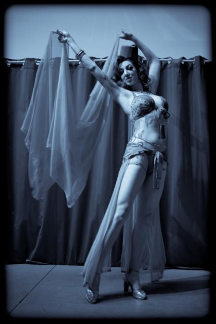 Luna Rosa: Brilliant burlesque