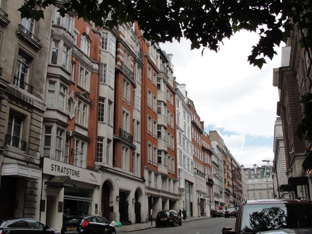 "Berkeley Street: ""Never had Marianne been so unwilling to dance in her life, as she was that evening, and never so much fatigued by the exercise. She complained of it as they returned to Berkeley Street"" (Sense and Sensibility, Vol 2 Ch 5). Elinor and Marianne stay with Mrs Jennings in town."