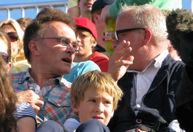 We spotted Olympic heptathlete Denise Lewis amongst the huddled masses at the Velodrome and here is Oscar winning director Danny Boyle chatting in between races