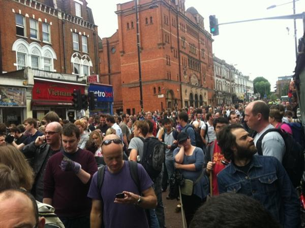 The Clapham community out in force via @riotcleanup