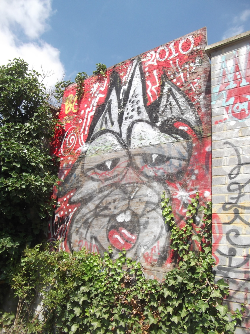 A catish piece by Tek33.