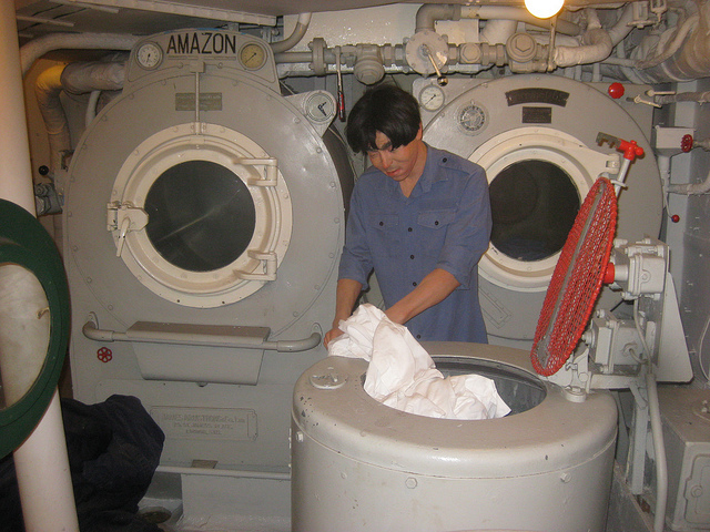 HMS Belfast. A symbol of power, mastery of the seas and Imperial might. Better install an exhibit of a Michael McIntyre doing some laundry. Image by M@.