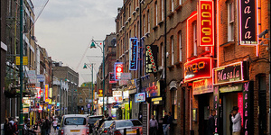 Curbing The Curry Touts Of Brick Lane