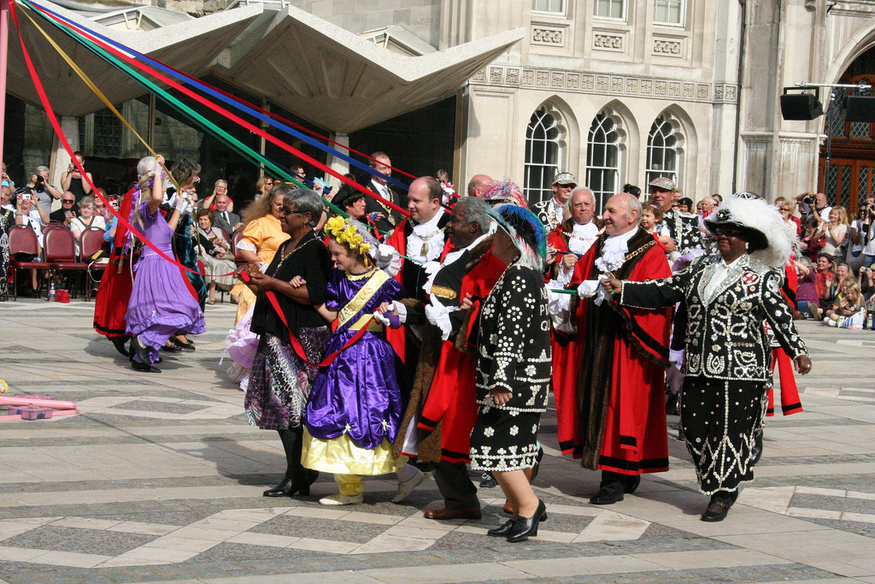 Maypole dancing at the Costermongers Harvest Festival by Ian Visits