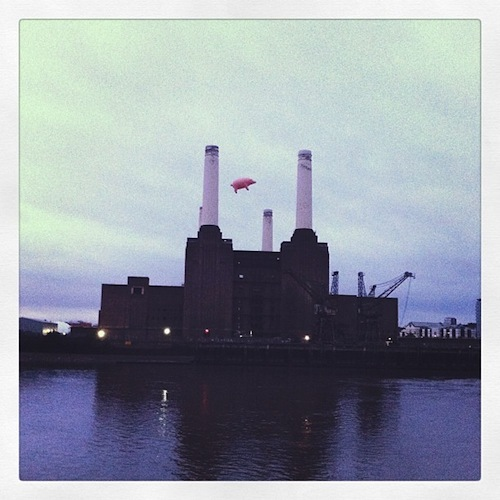 Pig Flies Over Battersea Power Station