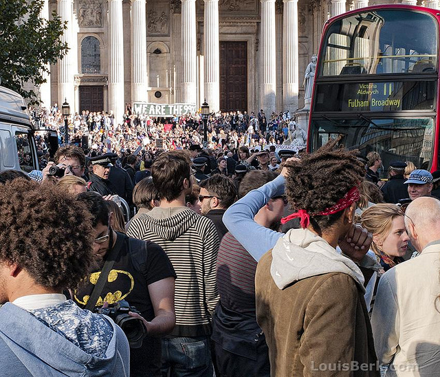 Stopping the traffic outside St Paul's / photo by louisberk