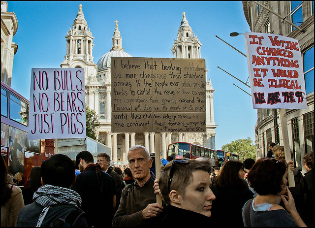 Placards / photo by Sven Loach
