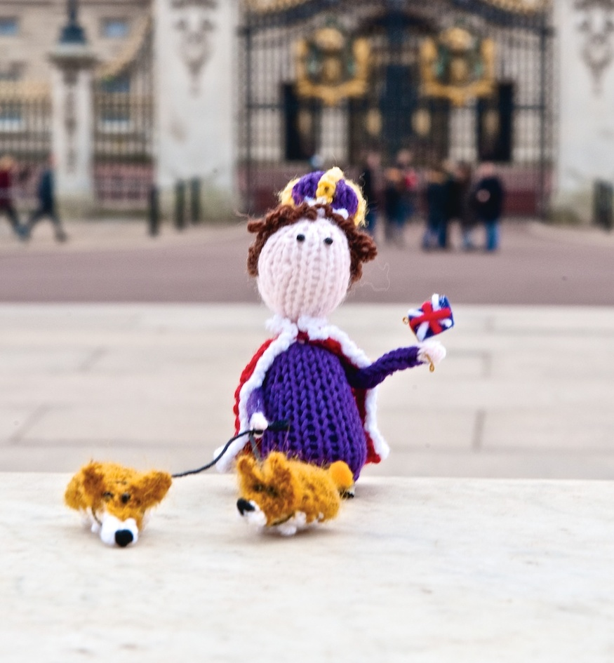 Queen Liz and Corgis, © F&W Media