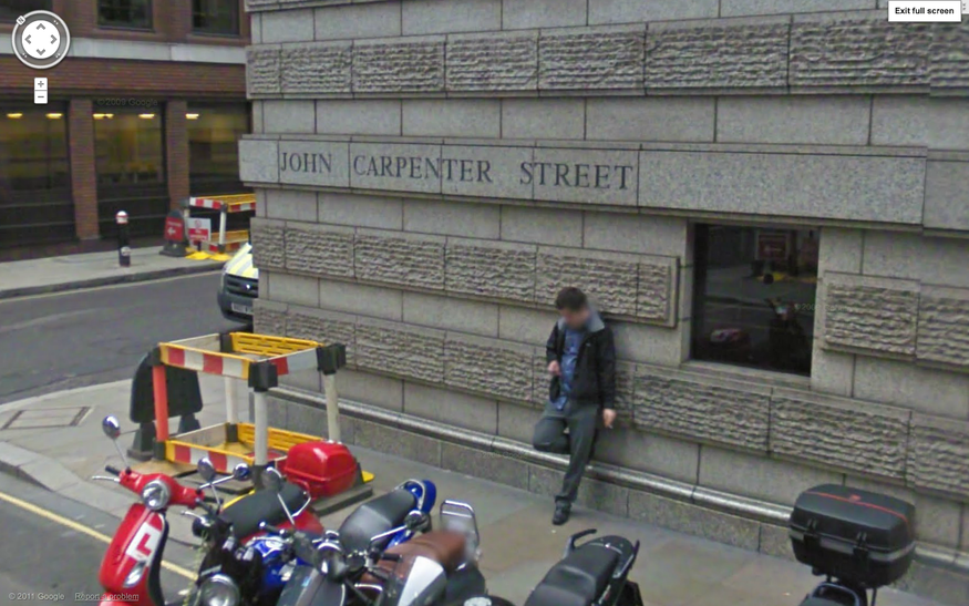 John Carpenter Street. One for horror/suspense fans. What sinister fate awaits this lurker?