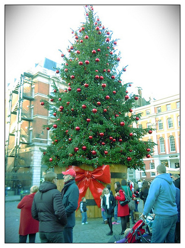 Seasonal Shopping 2011: Christmas Fairs And Markets