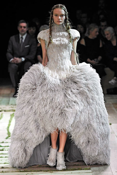 Exhibition Preview: Ballgowns: British Glamour Since 1950 @ Victoria & Albert Museum