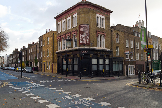 Williams' body was dumped into a hole in the ground outside this pub and buried; some years later the skull was dug up and given pride of place behind the bar, but the pub has since been converted into a residential unit, and the location of the skull is currently unknown.