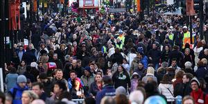 Fourteen Held Over Oxford Street Murder