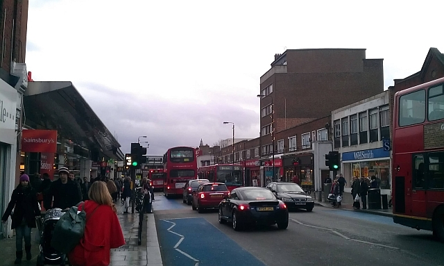 Balham. Look closely and you'll see the lights / photo by @rindiecinema