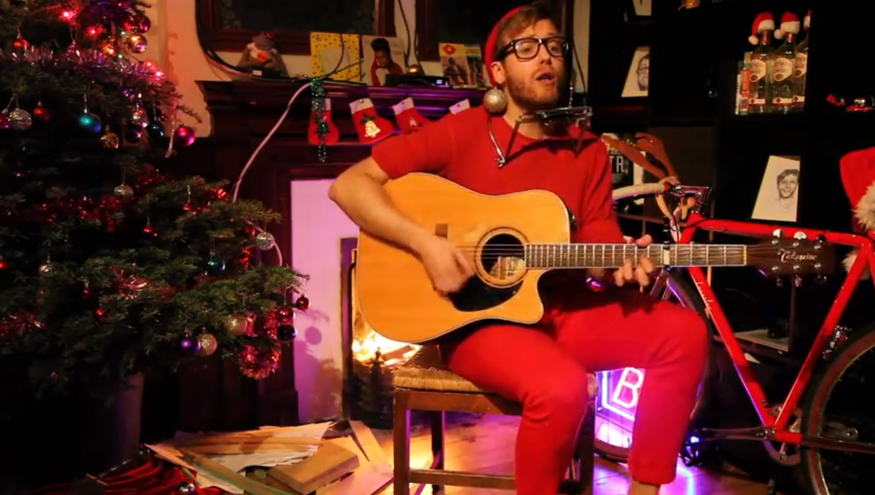 Ho Ho Hoxton: Santa Writes Christmas Songs To Order
