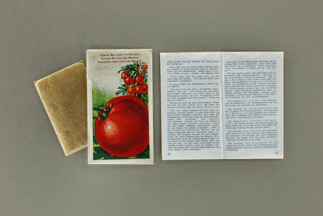 Tarnscriften: disguised anti-Nazi writings where you get a little booklet inside tea/tomato seed packets - photo by Ali Mobasser