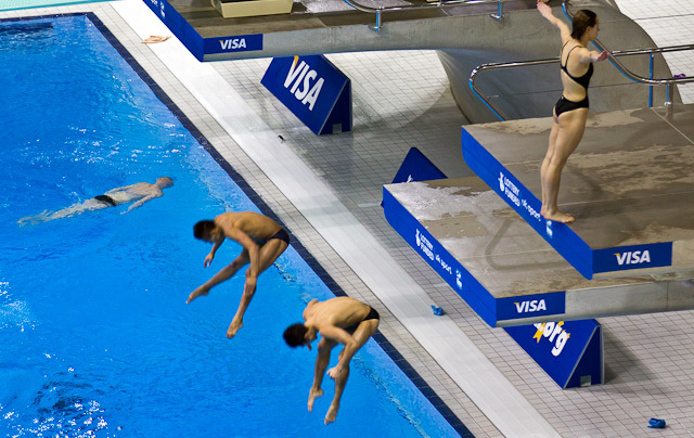 Divers in action