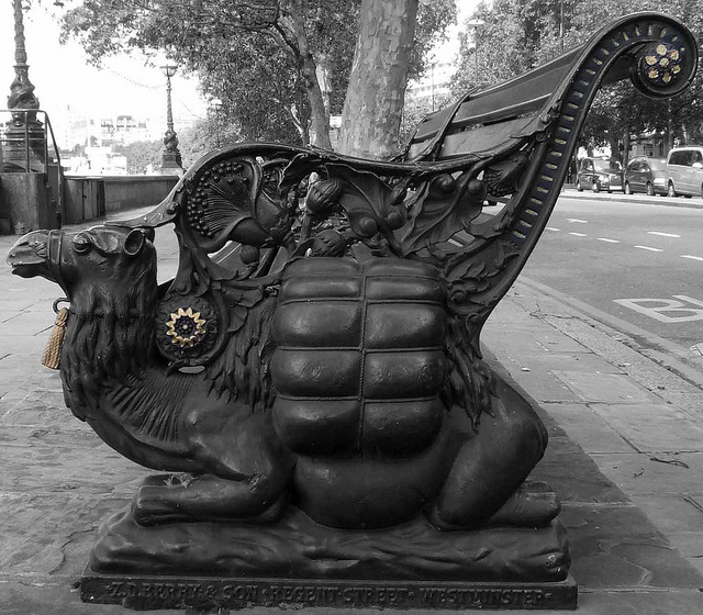 Camel Bench at Victoria Embankment, by curry15