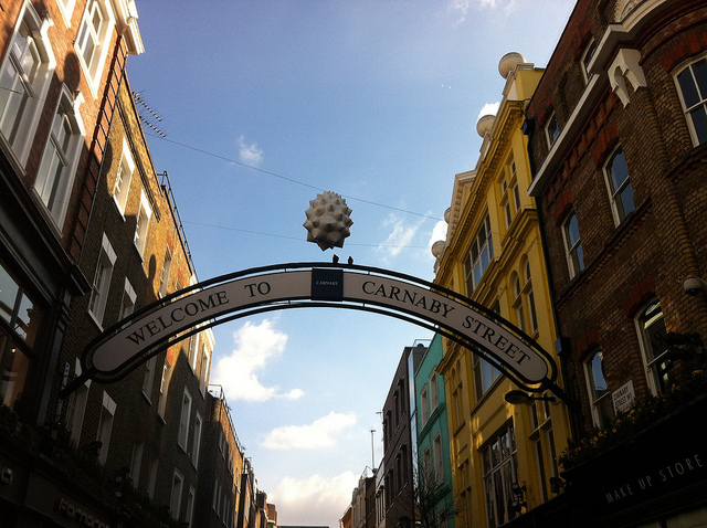 A floater over Carnaby. Photo by M@.